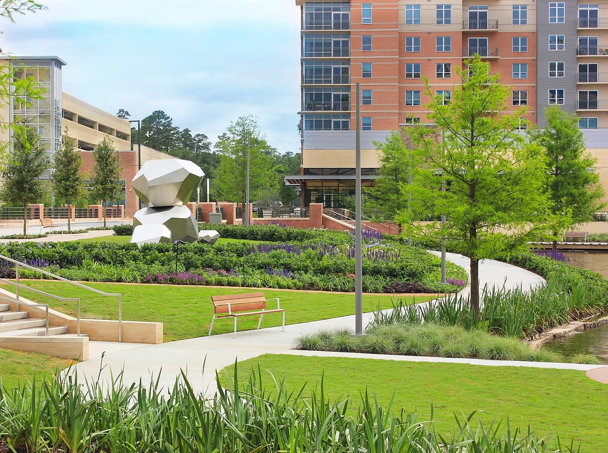 Mixed-Use spaces outdoor landscaping