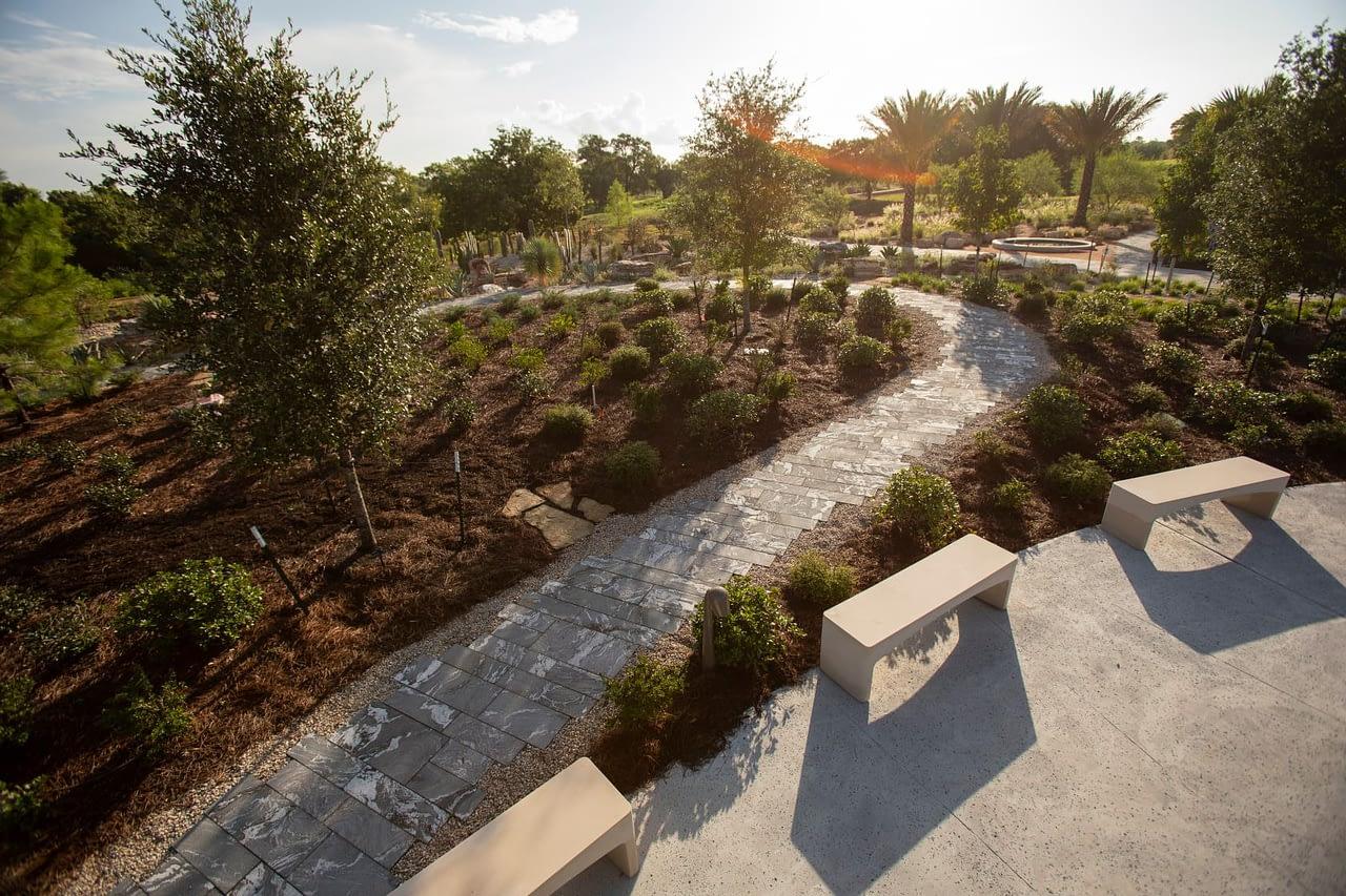 https://mlj18qoceiqy.i.optimole.com/YJeT_HI-Qx1xM1y7/w:1280/h:853/q:auto/https://www.bdcontractors.com/wp-content/uploads/2021/06/The-Global-Collection-Garden.jpg